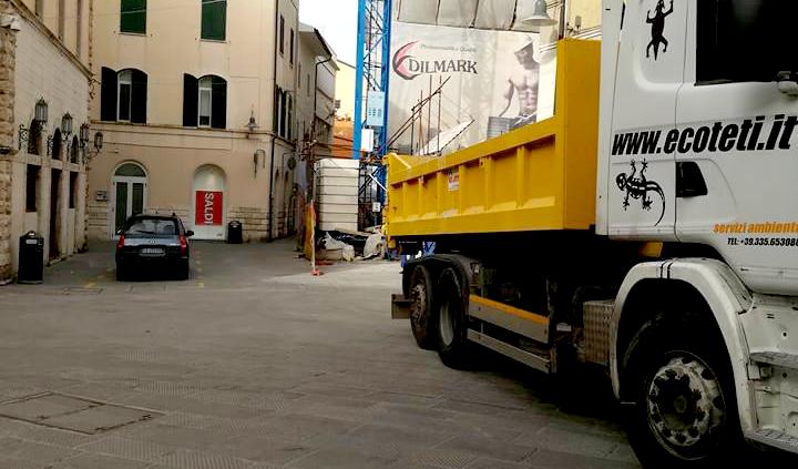 Ecoteti srl Leader in Italia per Smaltimento Rifiuti Bonifica Amianto Rimozioni Eternit Demolizione e Ricostruzione Tetti e Coperture Interventi di Coibentazione