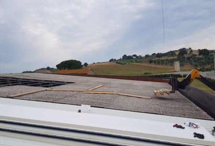 Bonifica copertura cemento-amianto - Ecoteti srl per Caseificio Manciano
